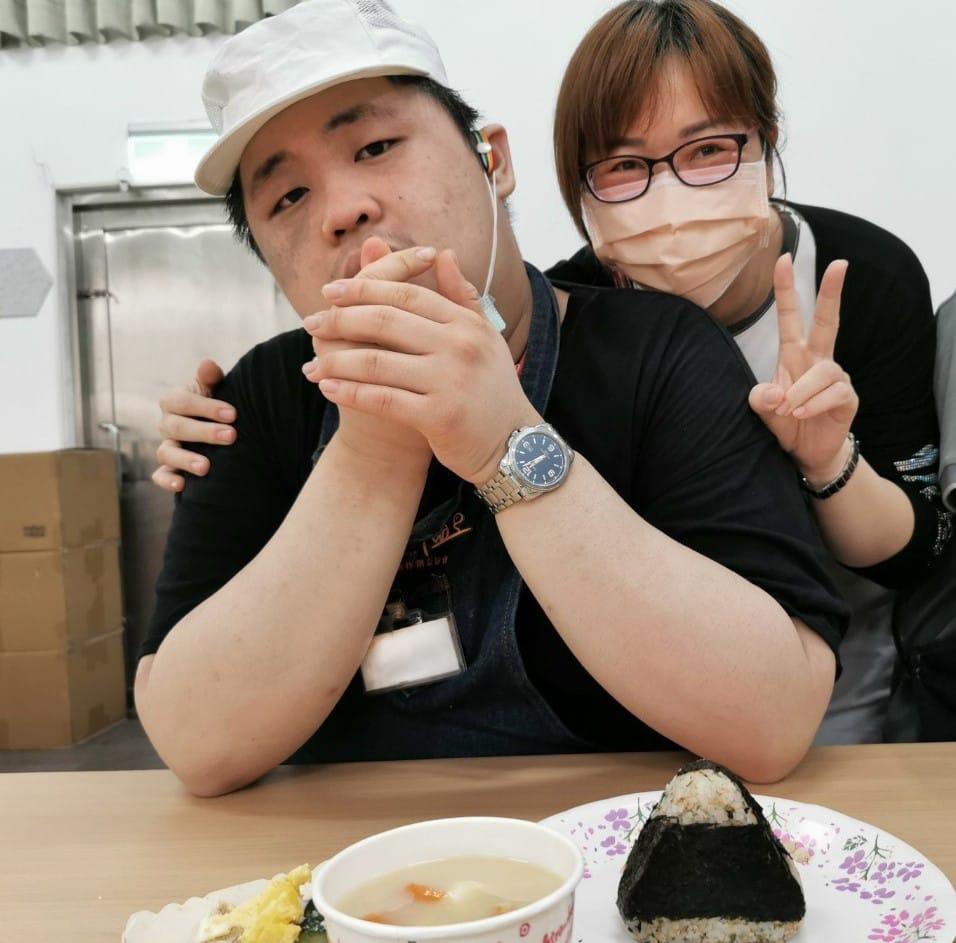 半年的努力 慢飛樂兒親做壽司 回饋母親的愛