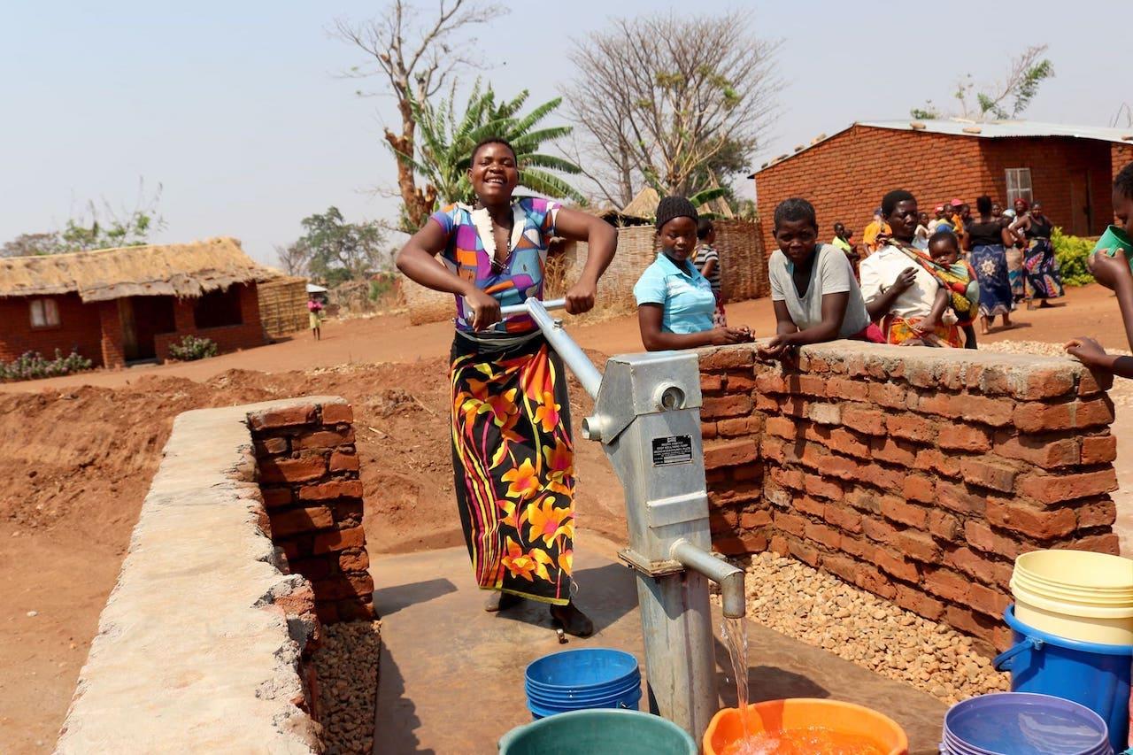 乾淨水!馬拉威婦女小孩更安全青少女穩定就學